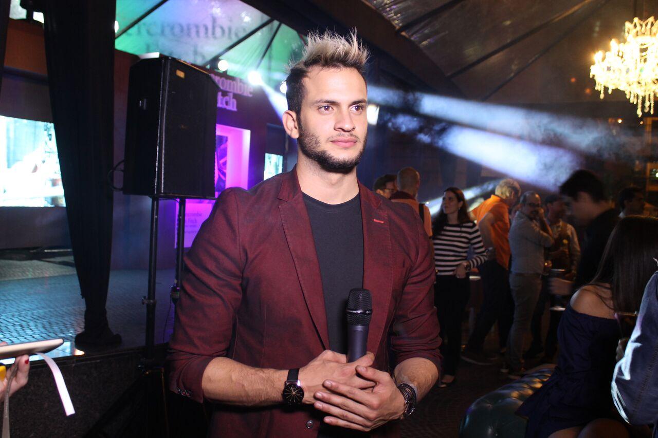 Jordan-Mendoza.-TV-Host