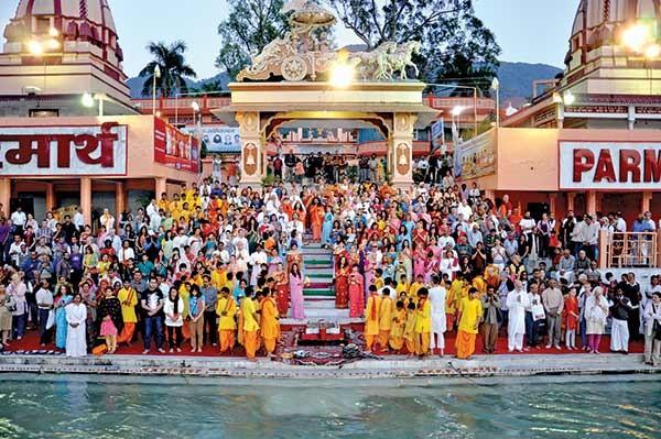 atardecer Ganga Aarti en Parmarth Niketan