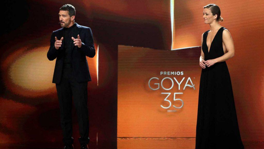Antonio Banderas y María Casado al inicio de la gala.
