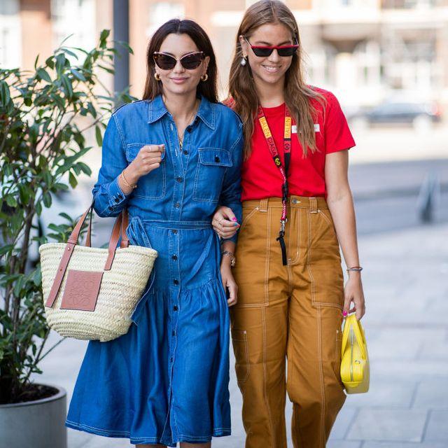 ¡Alerta de tendencias, la cesta de mimbre es el bolso del verano!